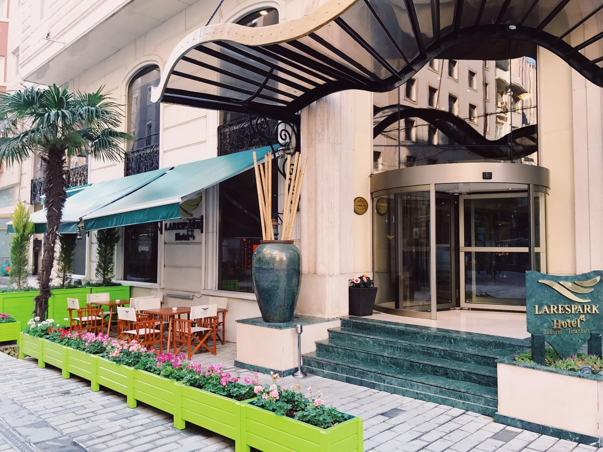 Sophia Lares Nude Photos 37